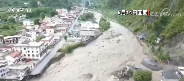 四川阿坝多地发生洪涝 泥石流灾害图片