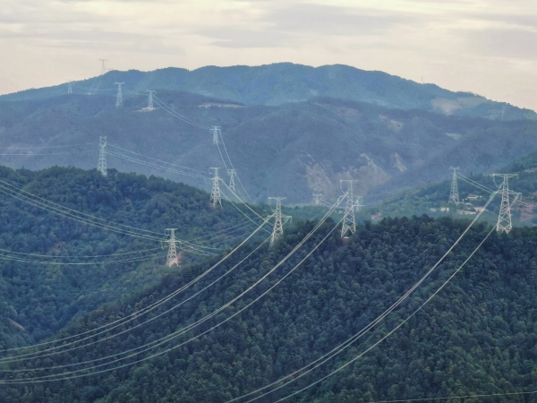 【摩天代理】电网世界首个5摩天代理0图片