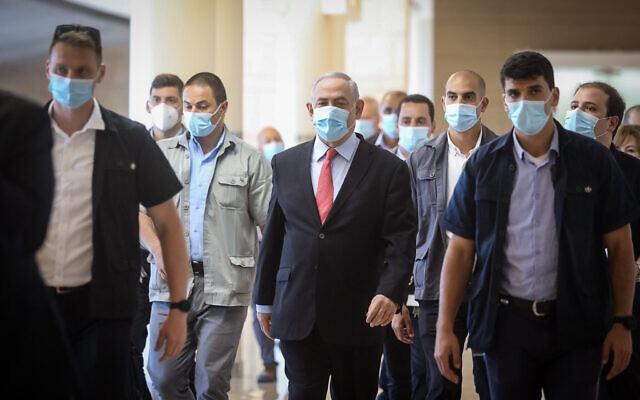 △内塔尼亚胡总理(居中)将召集以色列紧急内阁会议