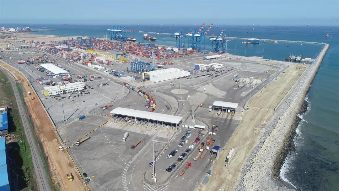 中交集团承建的加纳特码新集装箱码头工程完工图片