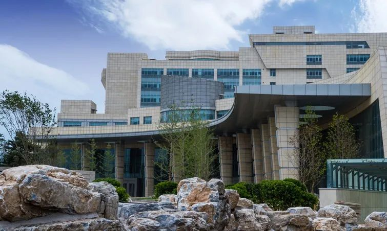 杏悦:国际医院杏悦1名男护士确诊其妻也是该院员图片