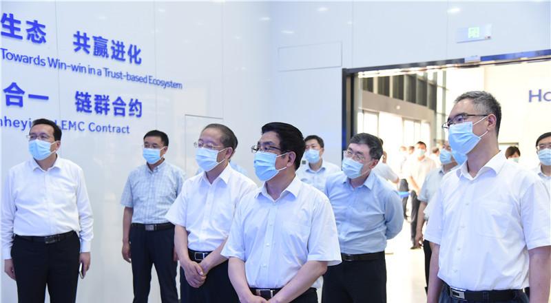 股票配资:甘肃省党政股票配资代表团在青岛市考图片