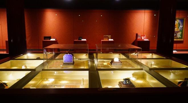 紫禁城建成600年纪念《故宫宝玺·扎什吉彩》专家品鉴会在京举行 ... ...