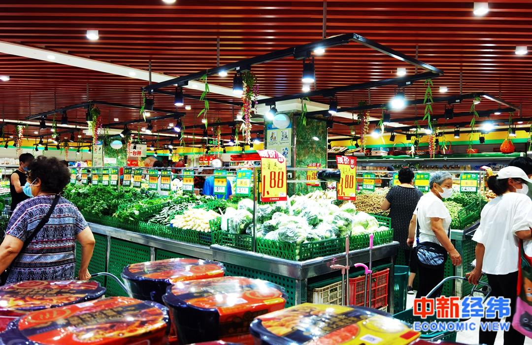 天富代理:生鲜店商贩进货从凌天富代理晨一点排队图片