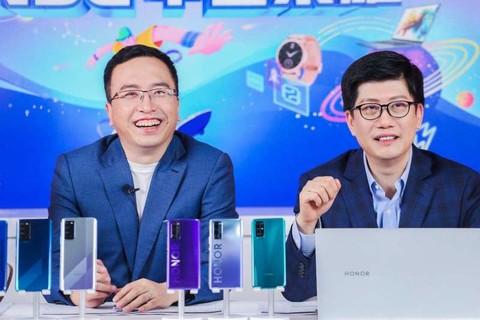 经济学者薛兆丰对话荣耀总裁赵明:兼顾性能和差异化特色是5G最好打开方式