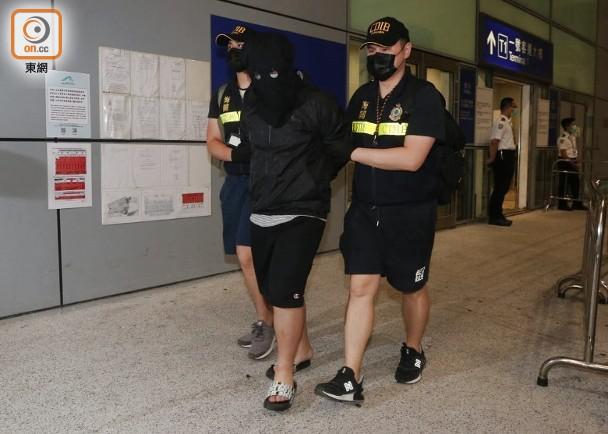 香港海关破今年至今最大宗空运贩毒案 17岁男子被拘图片