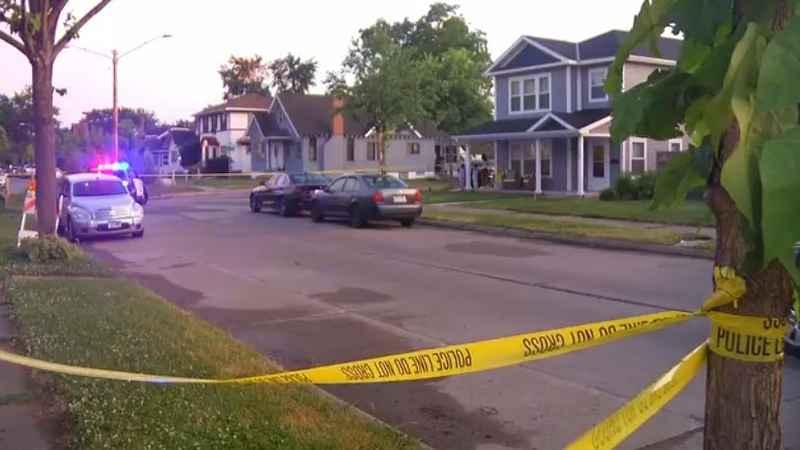 美国明市一天发生18起枪击 17岁男孩驾车时中枪身亡