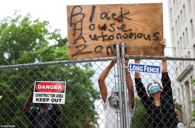 """终于想起""""白""""宫了?美国抗议者试图设立""""黑宫自治区"""""""