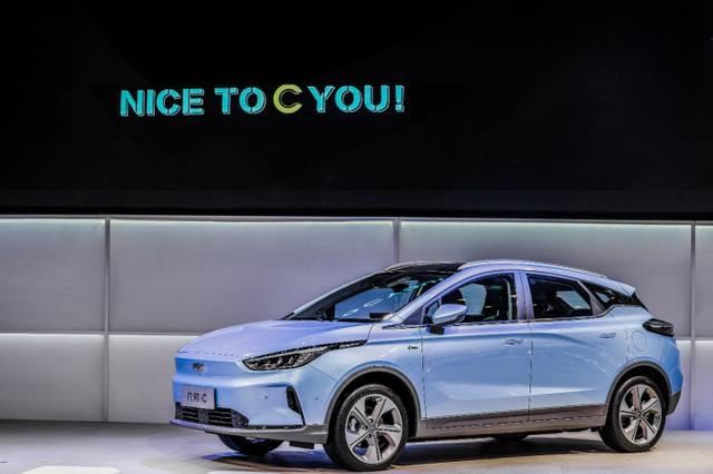 吉利几何汽车的首款纯电SUV几何C深圳粤港澳大湾区车展首发亮相