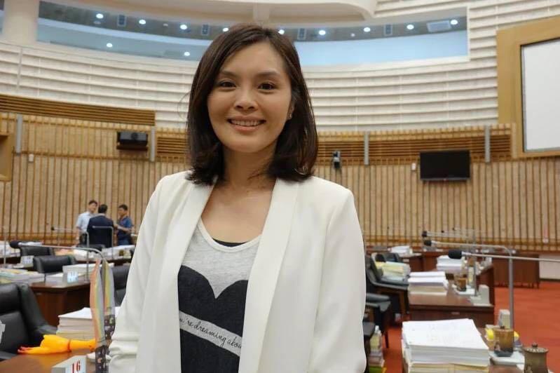 摩天注册党拟确定李眉蓁台媒年轻在地摩天注册图片