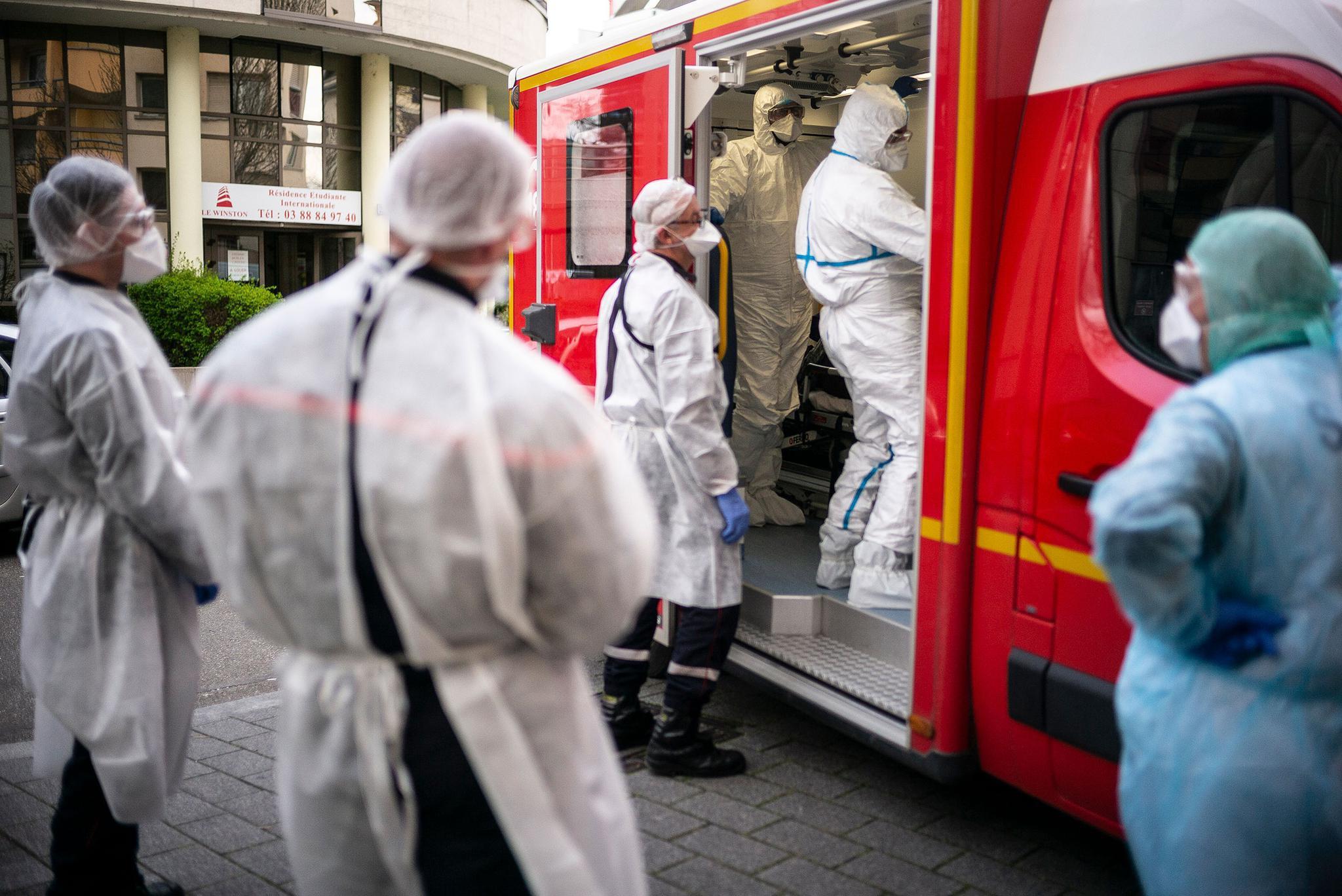 全球累计确诊新冠肺炎病例9178773例。(图源:美联社)