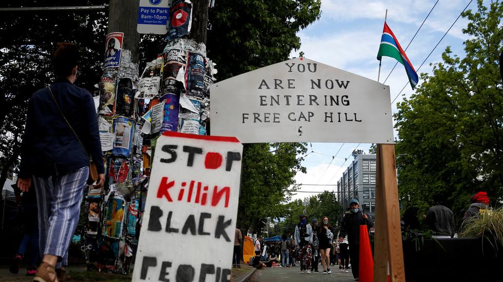美国的抗议者聚集街头(图源:路透社)