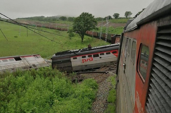 俄罗斯滨海边疆区一辆货运列车发生脱轨