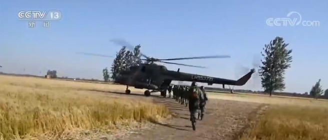 摩天代理:多伞型武装摩天代理跳伞提升全域作战图片