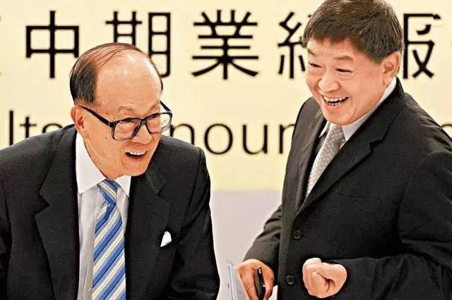 李嘉诚的左膀右臂:靠一笔买卖净赚千亿 人称最强打工皇帝
