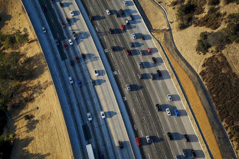 美国计划2035年所有汽车使用清洁能源