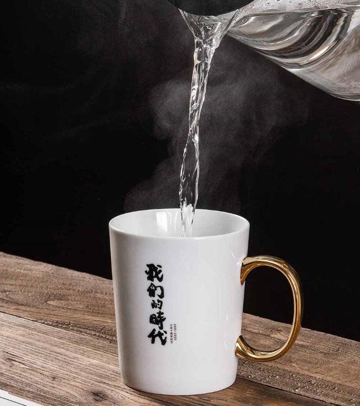 小米十周年纪念款马克杯发布:南宋官窑工艺 + 国瓷原料,售价 99 元