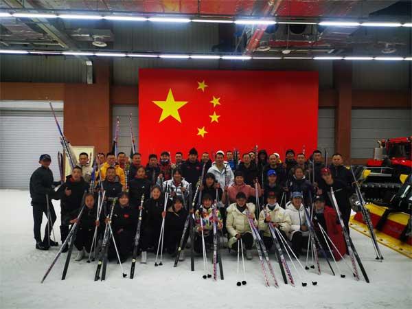 只争朝夕,不负韶华,为国而练,为国而战——国家跳伞跳台滑雪队圆满完成吉林阶段训练任务