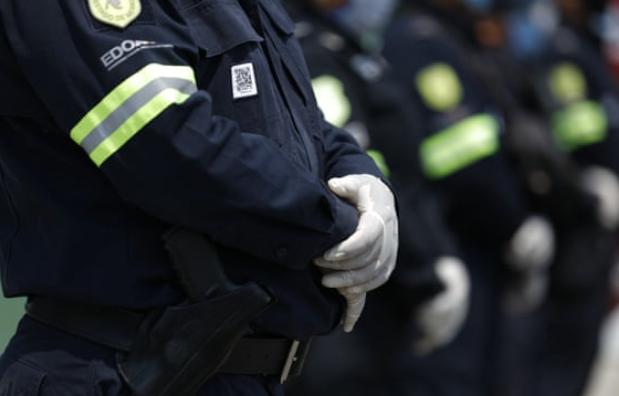 墨西哥男子没戴口罩被捕 遭殴打致死引发示威者抗议