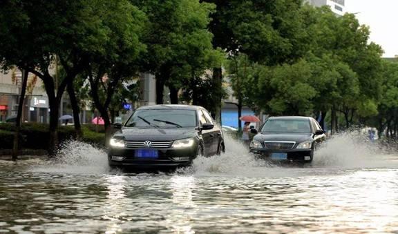 强降雨影响广西 暴雨+地质灾害+渍涝等多个预警齐发图片