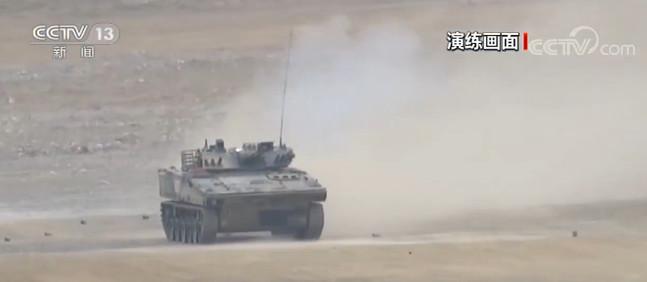 彩票代理军装甲步兵射击考核彩票代理检验协同图片
