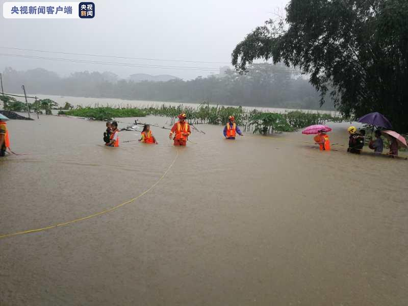 广东佛冈强降雨 致当地村庄大面积被淹图片