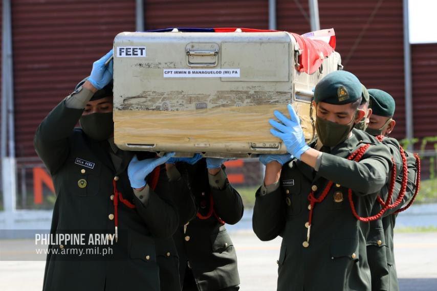 菲律宾陆军为遇难人员举办葬礼 图源:菲律宾陆军推特