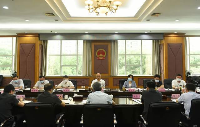 游劝荣院长在省法院上半年形势分析会上强调 认清形势 真抓实干 着力提升审判执行工作质效图片