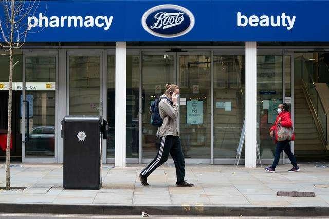 英国零售业再受冲击! Boots和John Lewis裁员超5000人