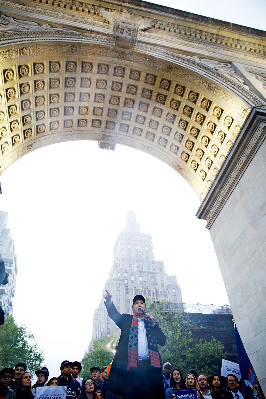2019年5月14日,争取代表美国民主党参选2020年总统大选的杨安泽在纽约宣讲政见。摄影/本刊记者廖攀