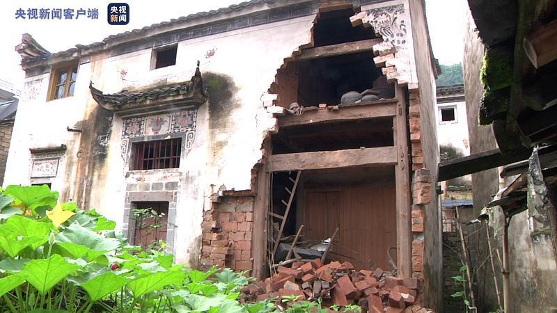 安徽歙县:及时预警减损失 清理淤泥生产自救图片