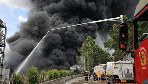 卓越新能火灾致两人失踪,直接损失近千万元