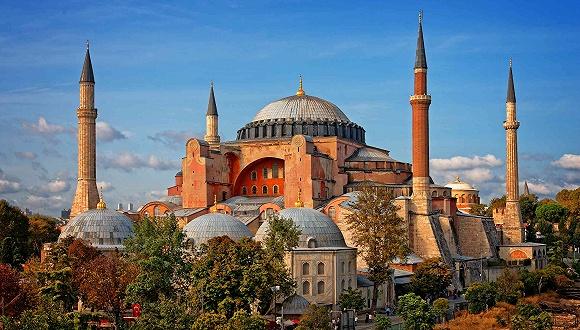 土耳其将圣索菲亚大教堂改成清真