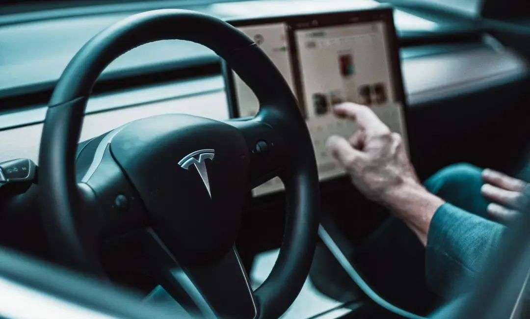 Model 3销量全方位碾压,25-35万区间还有特斯拉的对手吗?