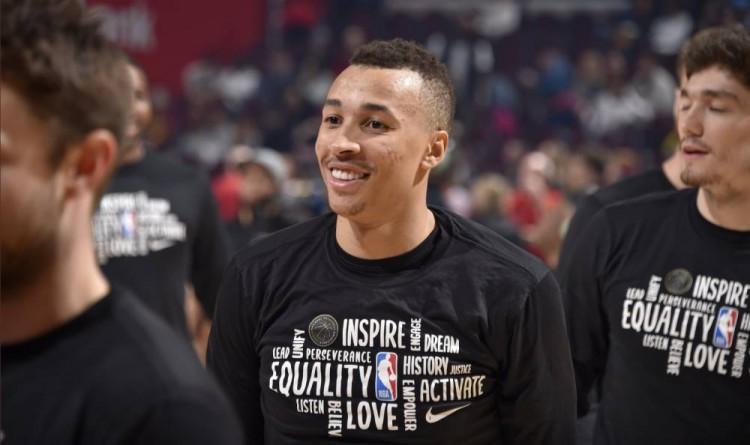 真挚的祝福!NBA官方祝骑士队球员丹特-艾克萨姆25岁生日快乐