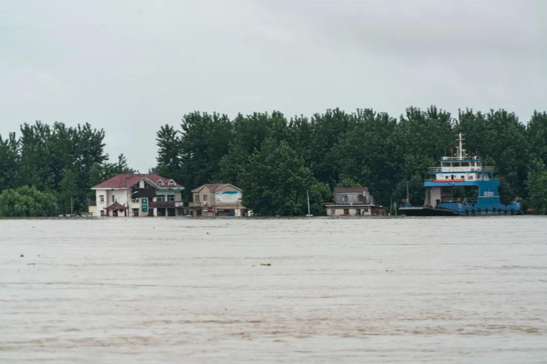 安徽江心洲居民大撤离:洪峰当前,水位已超1998年纪录图片