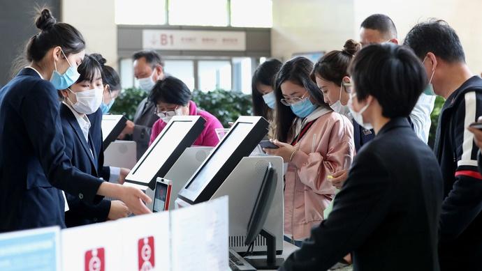 [杏悦]上海找政府办事9杏悦5%都可以最多跑一图片