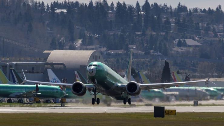 疫情导致航空公司面临巨亏!波音客户上半年取消323架飞机订单