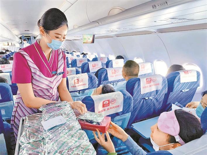 深圳宝安国际机场上半年货运量同比增长4.5%图片