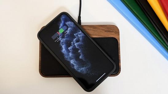 苹果正研发可同时充电的Qi智能电池壳
