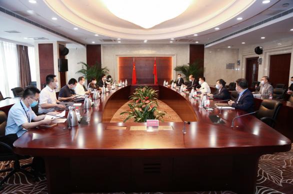 驻中投公司纪检监察组潘岳汉组长对新华保险进行调研督导
