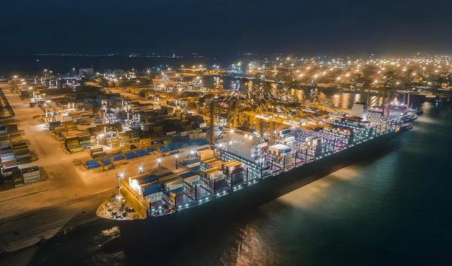 """港口""""不打烊"""",广州港新增7条外贸班轮航线"""
