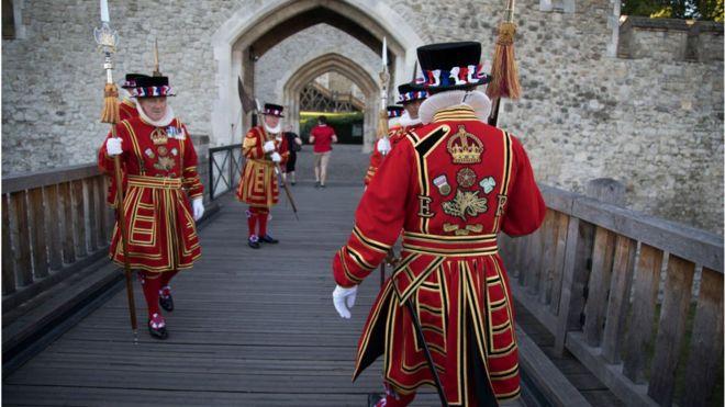 △伦敦塔守卫者(图片来源:BBC)