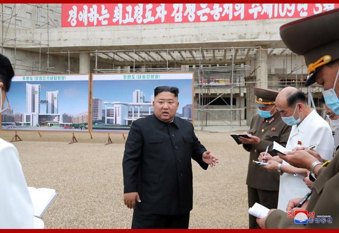 金正恩视察平壤医院建设工地:严厉指责工作问题