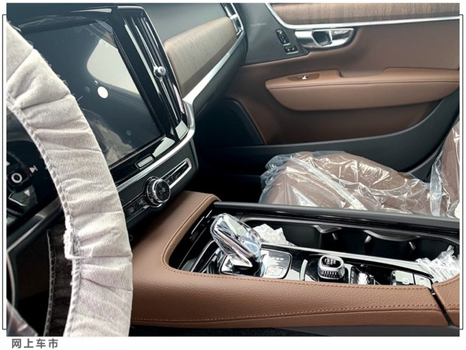 沃尔沃大改款S90实车曝光 增轻混系统