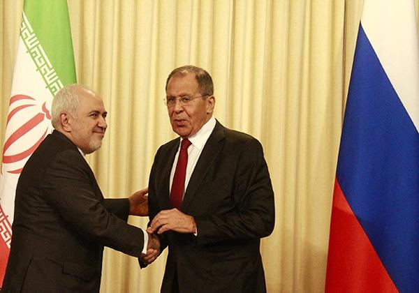 资料图:伊朗外长扎里夫和俄外长拉夫罗夫。(图源:东方IC)
