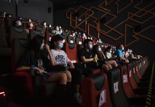 [杏悦]中国影院复苏仍有杏悦一段路要走图片