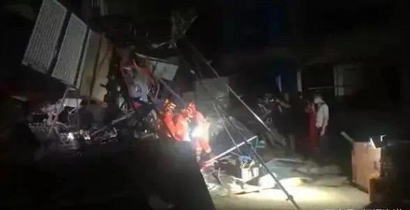 广西玉林施工升降梯坠落致6死 原因公布