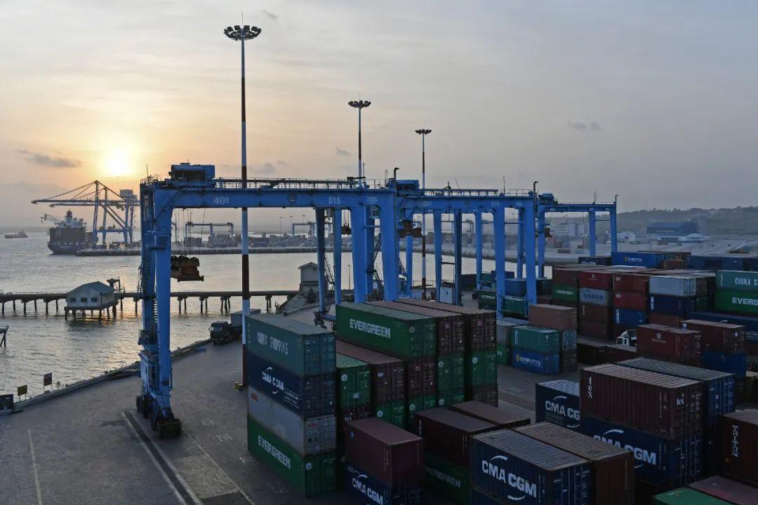 ▲这是2017年1月9日在肯尼亚蒙巴萨拍摄的东非第一大港蒙巴萨港。新华社记者 孙瑞博 摄
