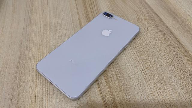 苹果iOS14 Beta3发布,小组件变化大,iPhone8P有新功能